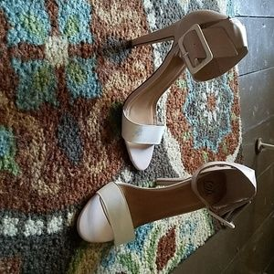 Shoes - Tan and white strappy pumps